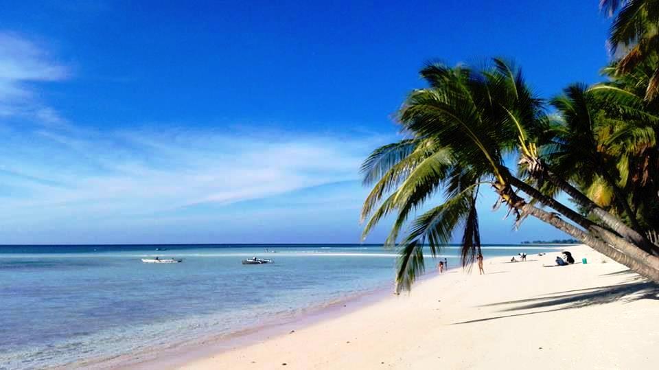la bellissima spiaggia di pantai Walakiri