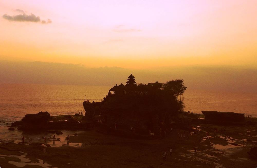 Bali tanah lot luce del tramonto