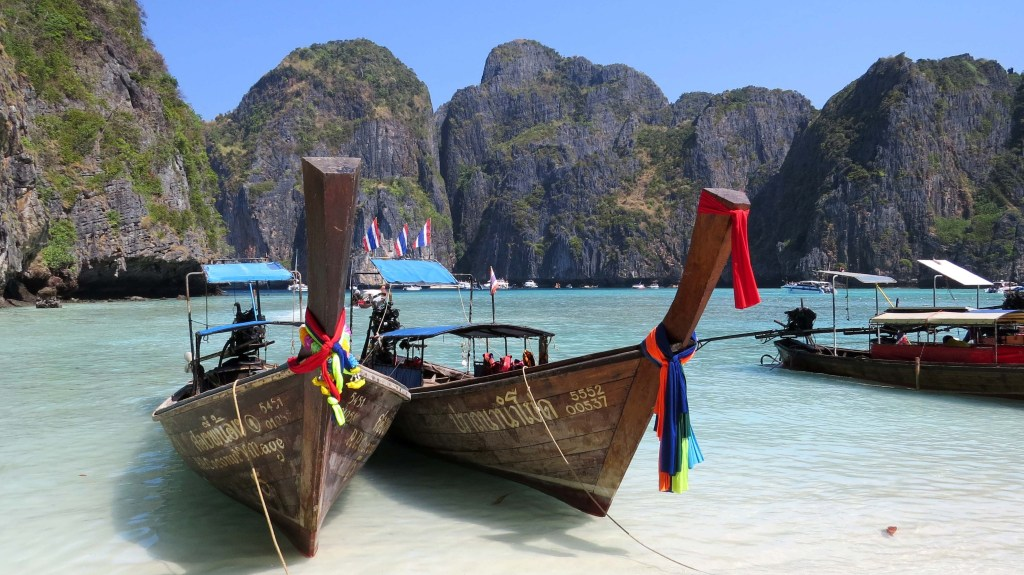 Maya Bay in Thailandia rimane una delle baie più belle del mondo