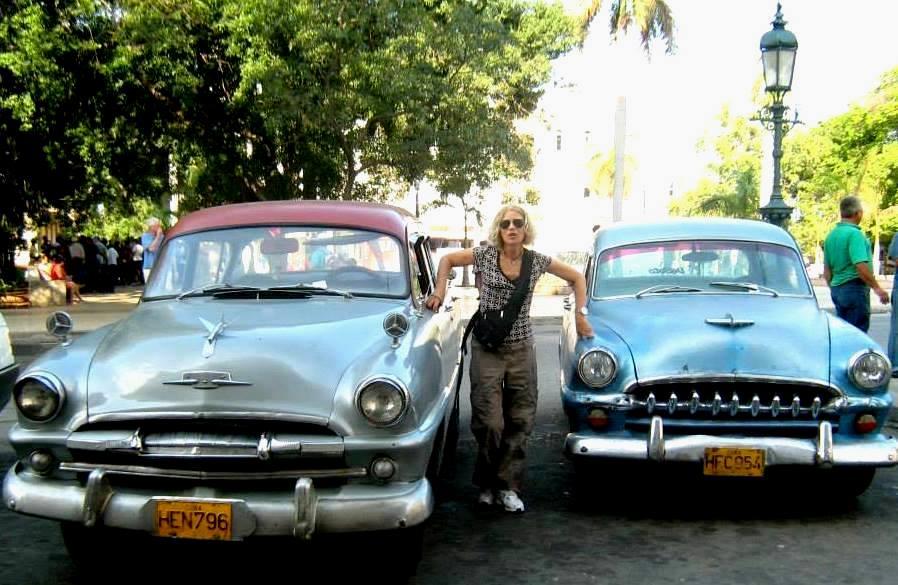 auto d'epoca a Cuba , la bella isola dei caraibi ricca di vita e storia