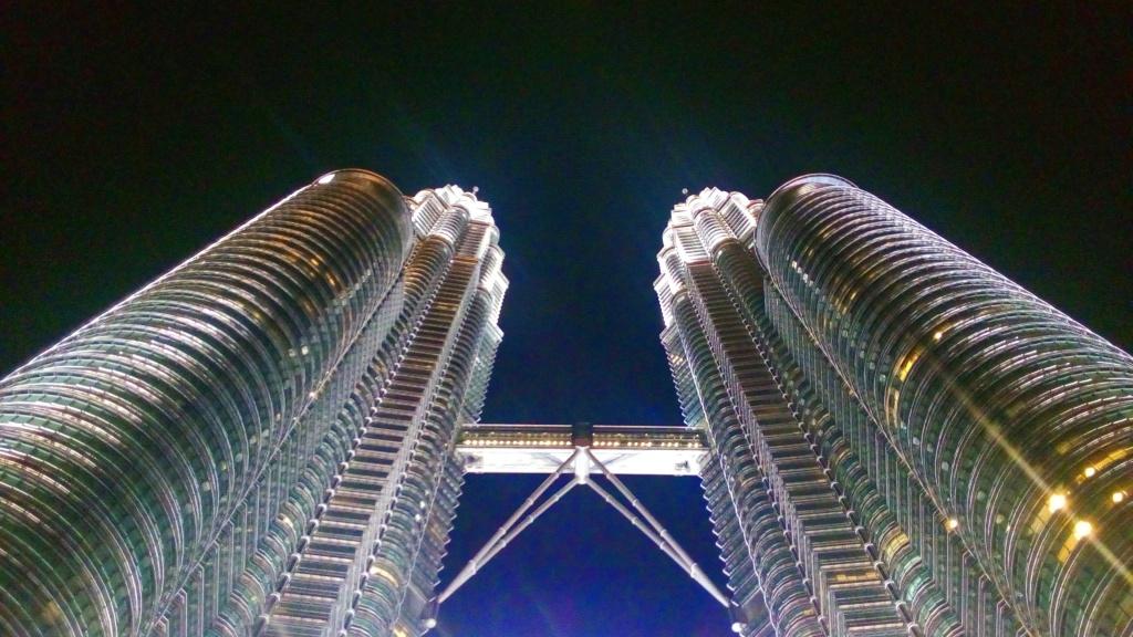 Le Petronas sono diventate uno dei simboli di Kuala Lumpur in Malesia