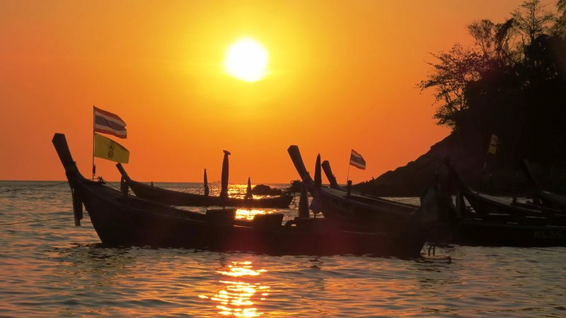 Kata Beach a Phuket tramonto